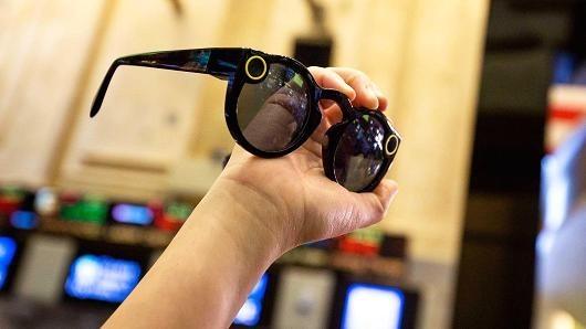 据说Snap准备推出新智能眼镜 上款产品亏得惨兮兮